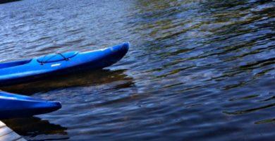 Kayaks-sur-l-eau-1